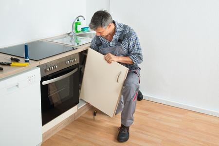 kitchen fitting service